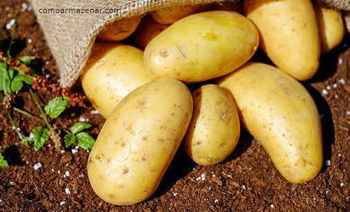 Saco de batatas virado, como armazenar batata