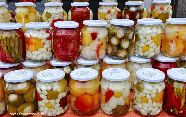 Como armazenar picles de legumes conservas