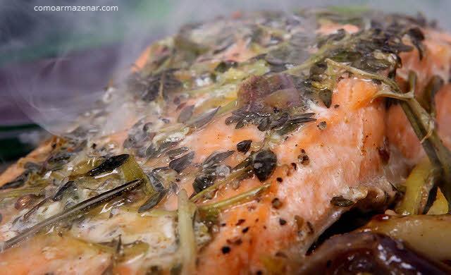 Como guardar salmão defumado